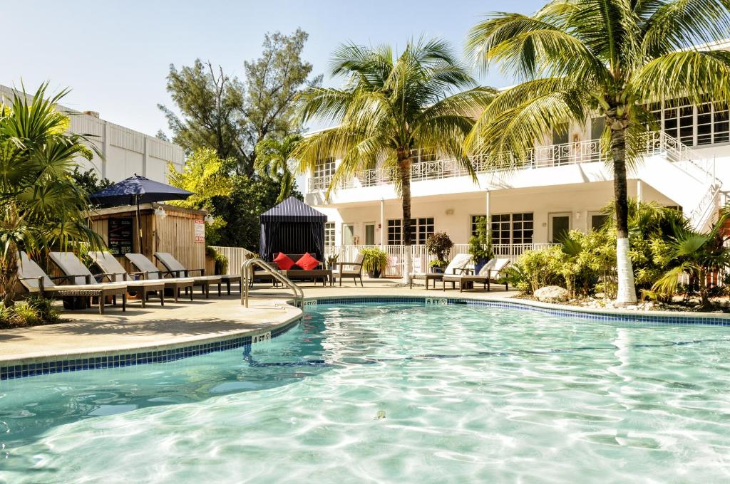 The swimming pool at or near Tradewinds Apartment Hotel Miami Beach