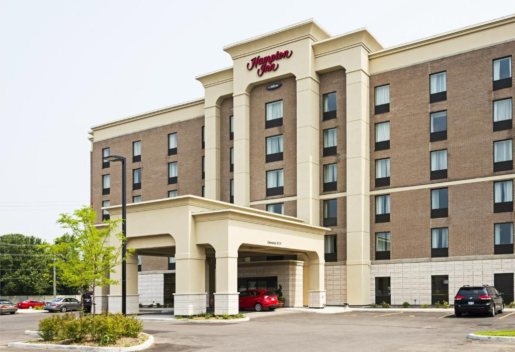 Hampton Inn by Hilton Ottawa Airport 외관 또는 출입문