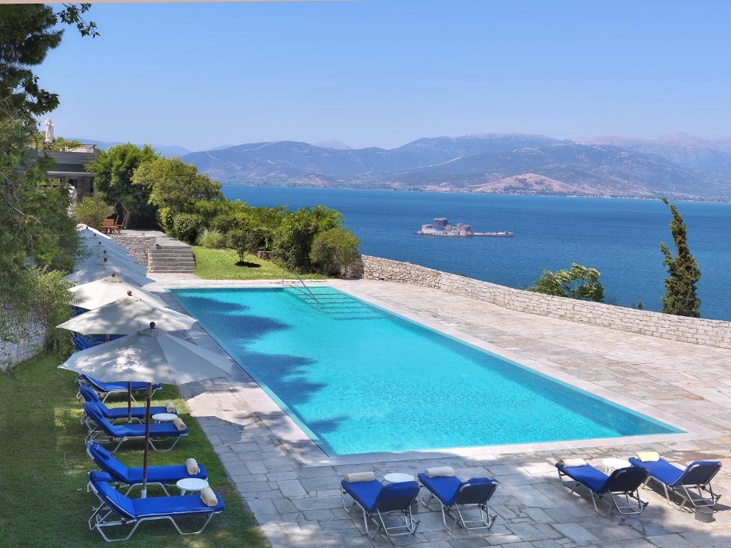 Basen w obiekcie Nafplia Palace Hotel & Villas lub w pobliżu