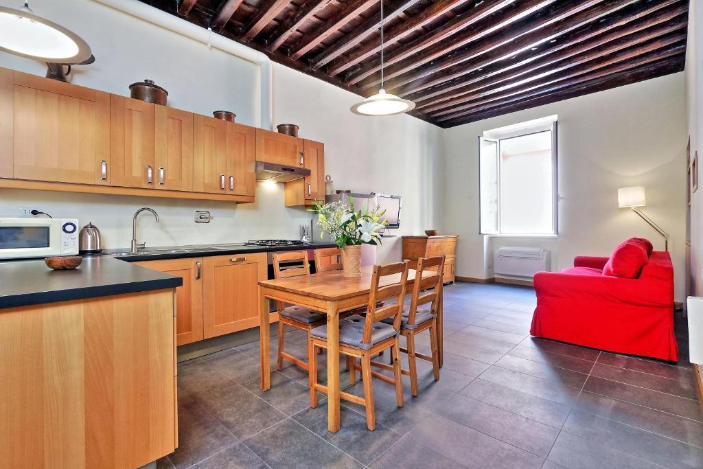 Cuisine ou kitchenette dans l'établissement Cozy San Martino - My Extra Home