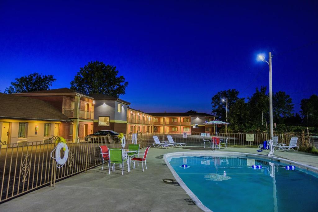 Aarya Hotel Niagara Falls Ny Booking Com