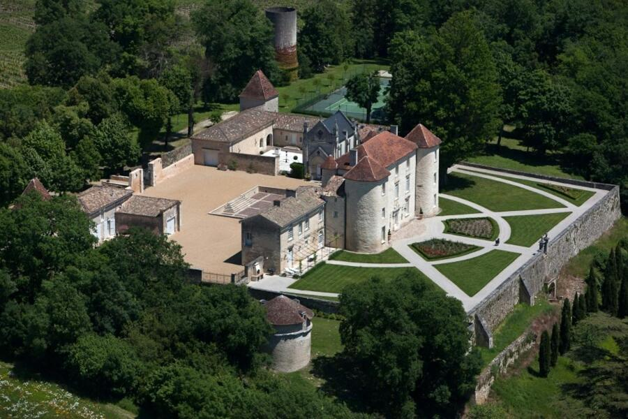 A bird's-eye view of Chateau Cadillac Apartment