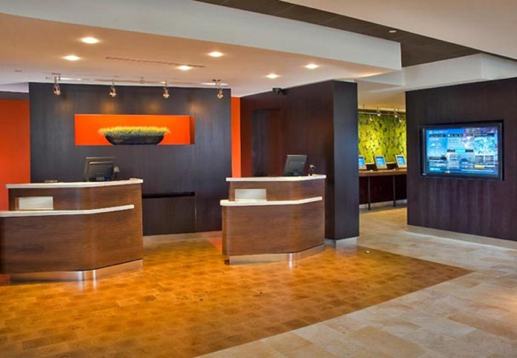 The lobby or reception area at Courtyard by Marriott Gatlinburg Downtown