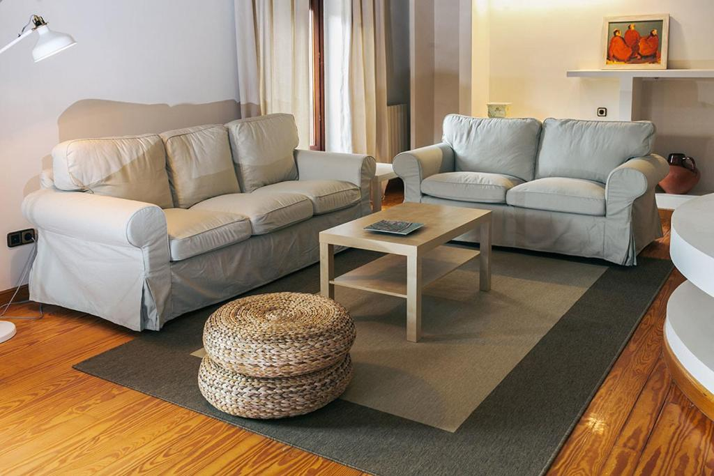 A seating area at Apartamento Turistico la Solana