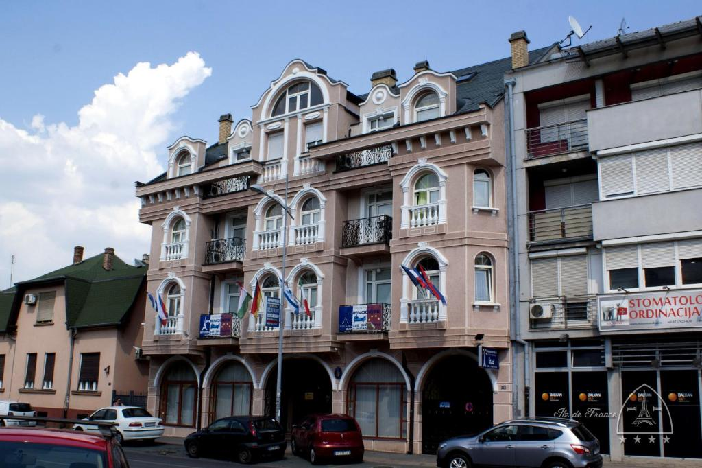 Vila Ile De France Novi Sad Serbia Booking Com