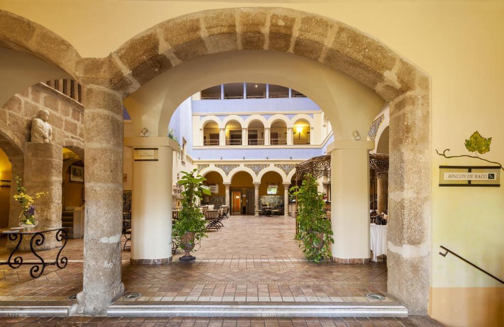 Hotel Ilunion Mérida Palace (España Mérida) - Booking.com
