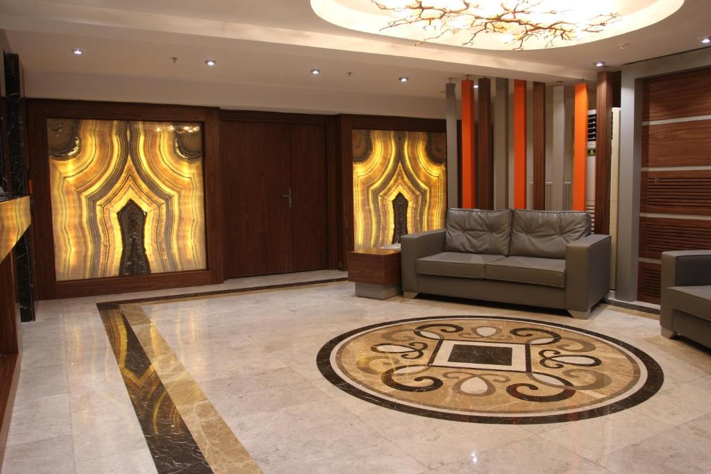The lobby or reception area at Onyx Business Hotel
