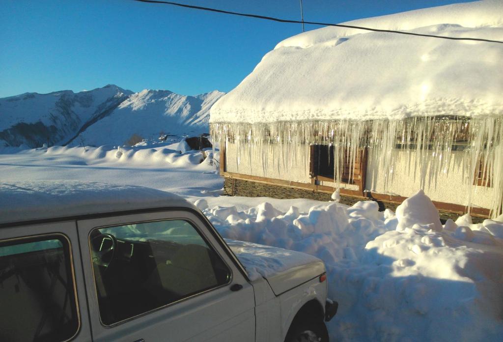 Gia's Hut Hostel