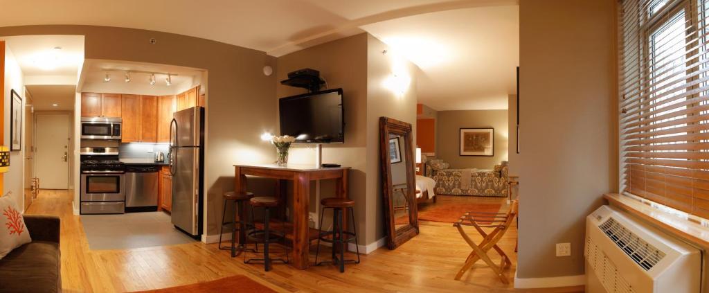 Ett kök eller pentry på Sanctuary NYC Retreats