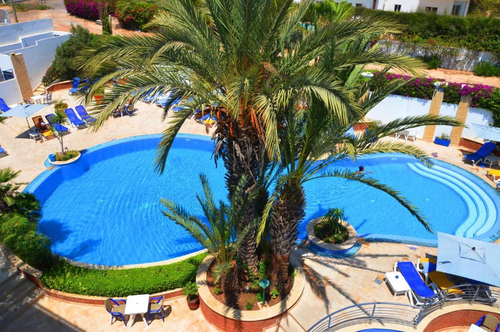 A view of the pool at Golden Beach Appart'hotel or nearby