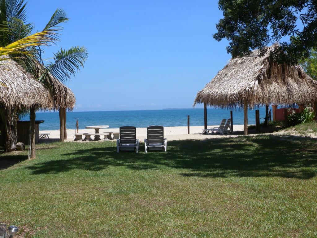 Booking.com: Hotel Tranquility Bay Beach Retreat , Trujillo ...