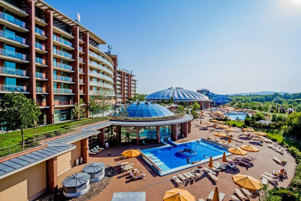 A view of the pool at Aquaworld Resort Budapest or nearby