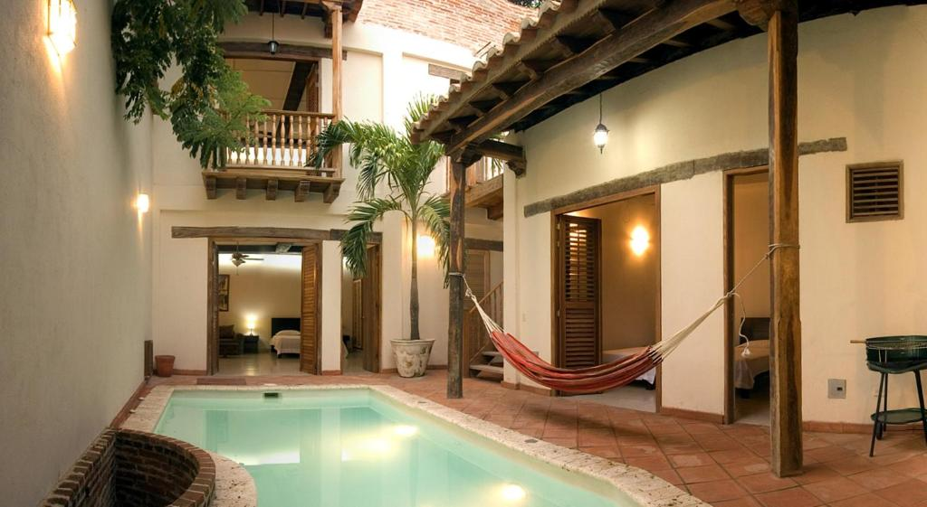 The swimming pool at or near Casa Sweety