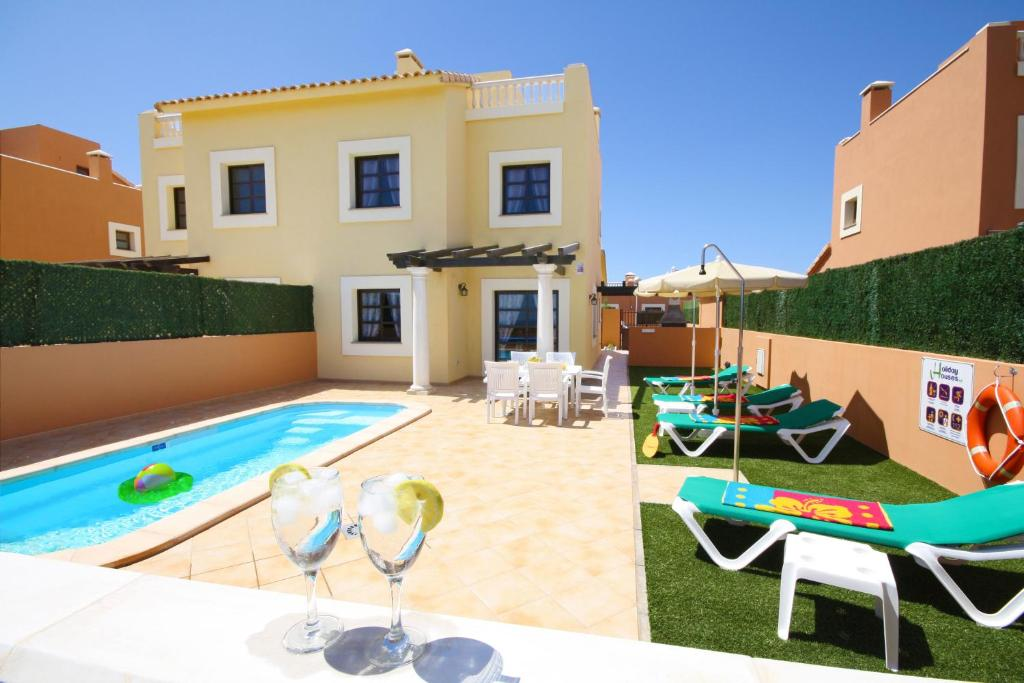 Villa Holiday Vista, Corralejo, Spain - Booking.com