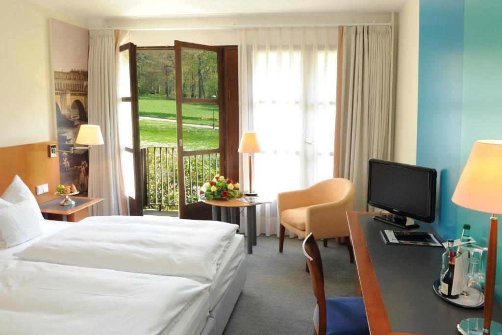 Hotel Schloss Eckberg Dresden Germany Booking Com