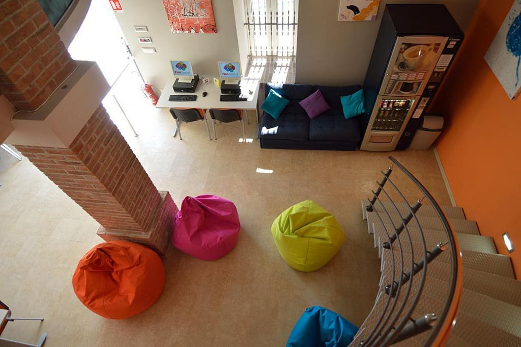 Hostel Fun