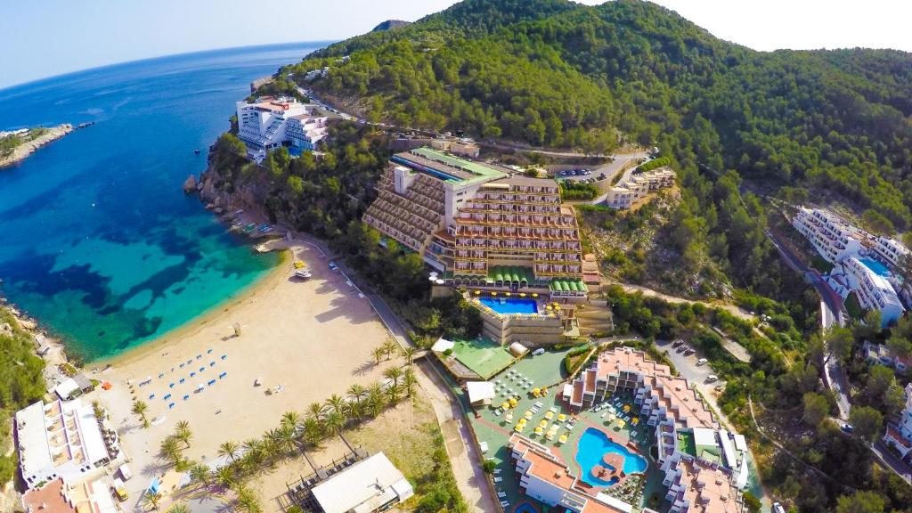A bird's-eye view of Hotel Cartago - All Inclusive