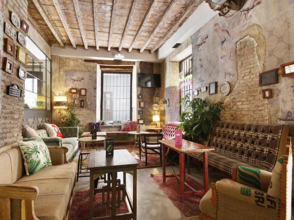 The lounge or bar area at Lemon Rock Hostel