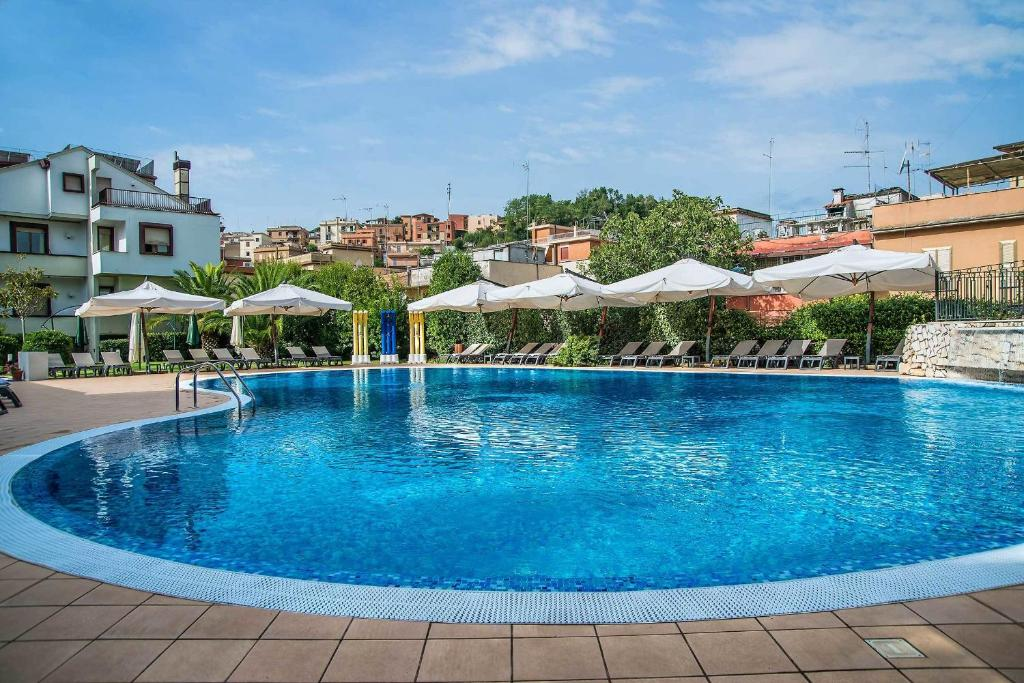 The swimming pool at or near Hotel La Giocca