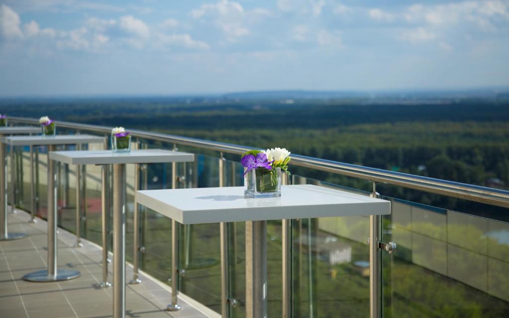 Балкон или терраса в Hilton Garden Inn Ufa Riverside
