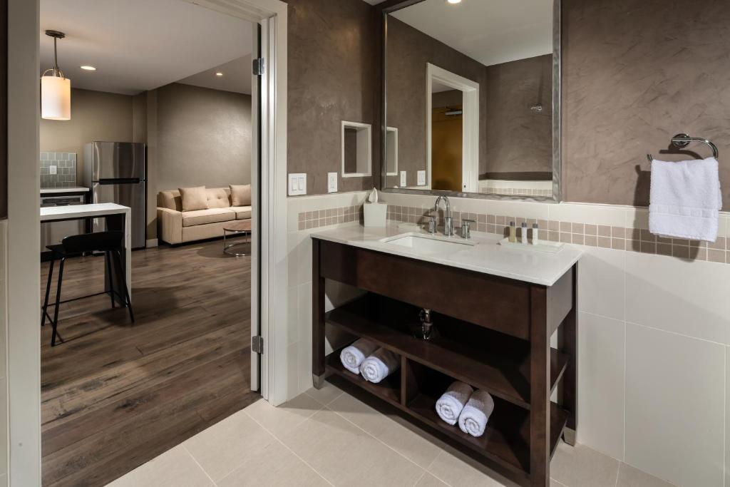 A bathroom at Hotel Aventura
