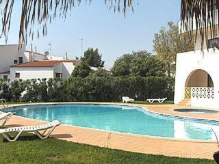 The swimming pool at or near Alta Oura Apartments