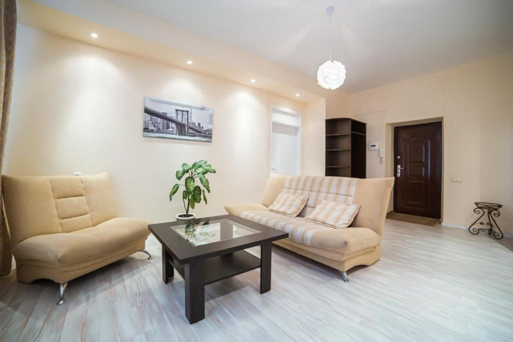 A seating area at StudioMinsk 16 Apartments