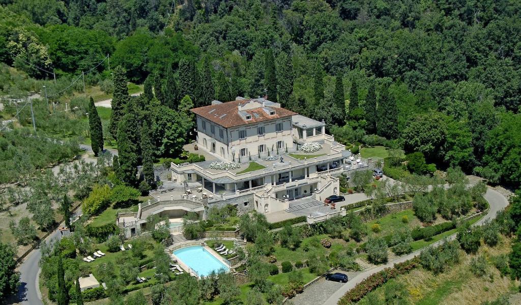 A bird's-eye view of Villa la Borghetta Spa Resort