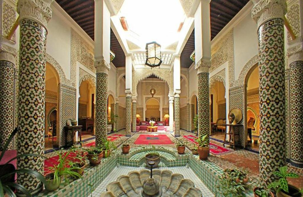The lobby or reception area at Dar El Mouhit