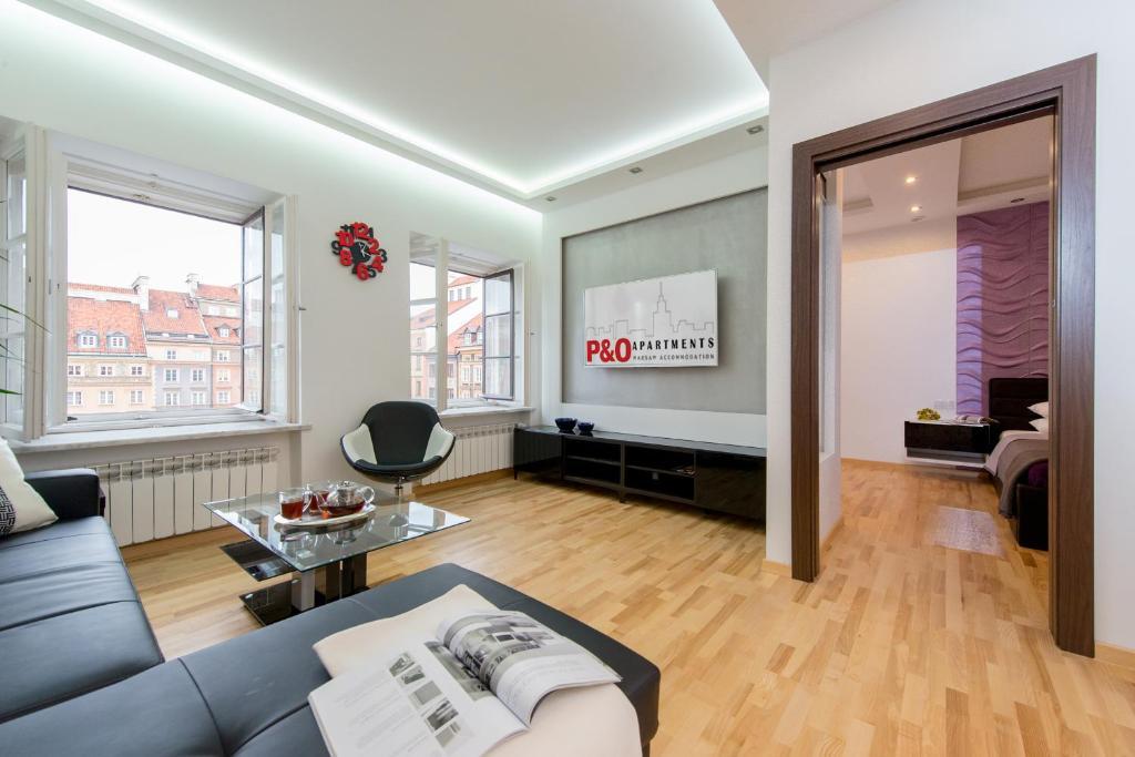 Svetainės erdvė apgyvendinimo įstaigoje P&O Apartments Old Town