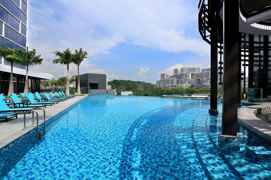 สระว่ายน้ำที่อยู่ใกล้ ๆ หรือใน Park Hotel Alexandra