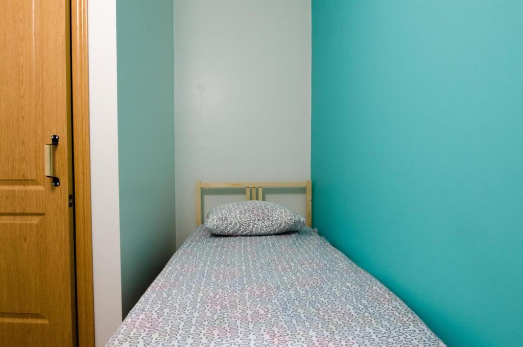 A bed or beds in a room at Hostel Vozduh