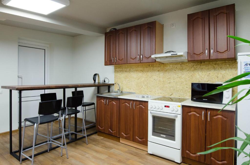 Кухня или мини-кухня в Хостел Воздух