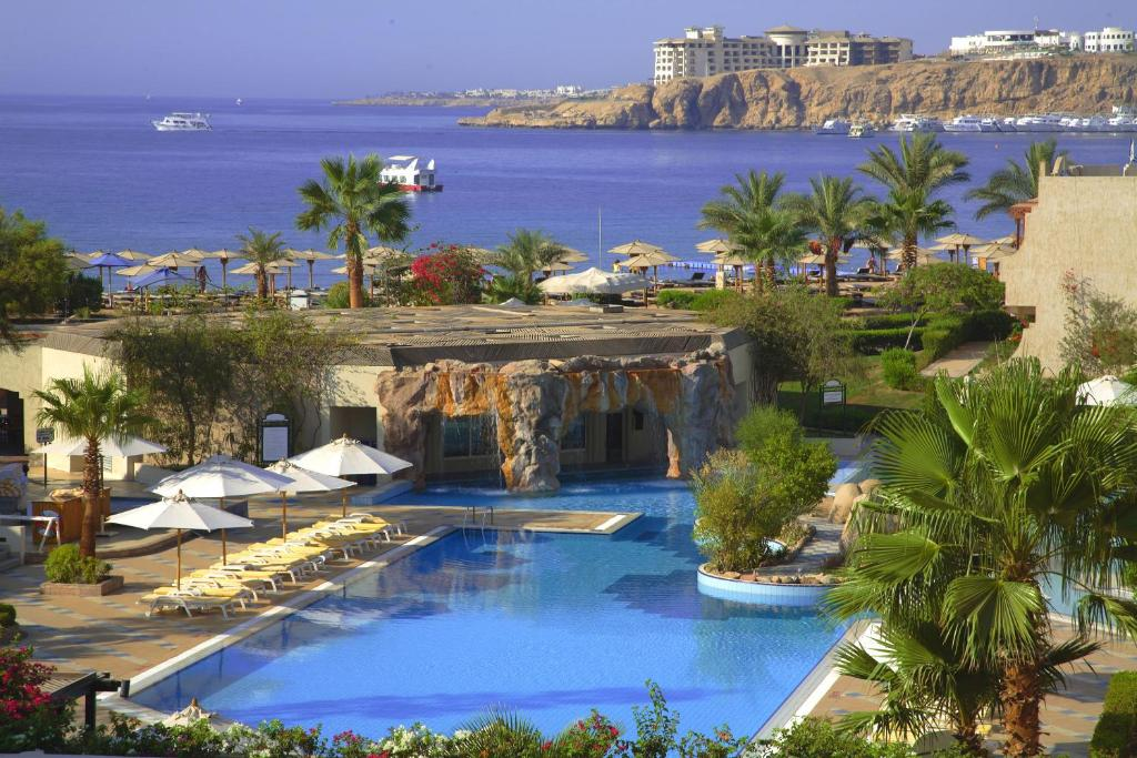 A view of the pool at Sharm El Sheikh Marriott Resort or nearby