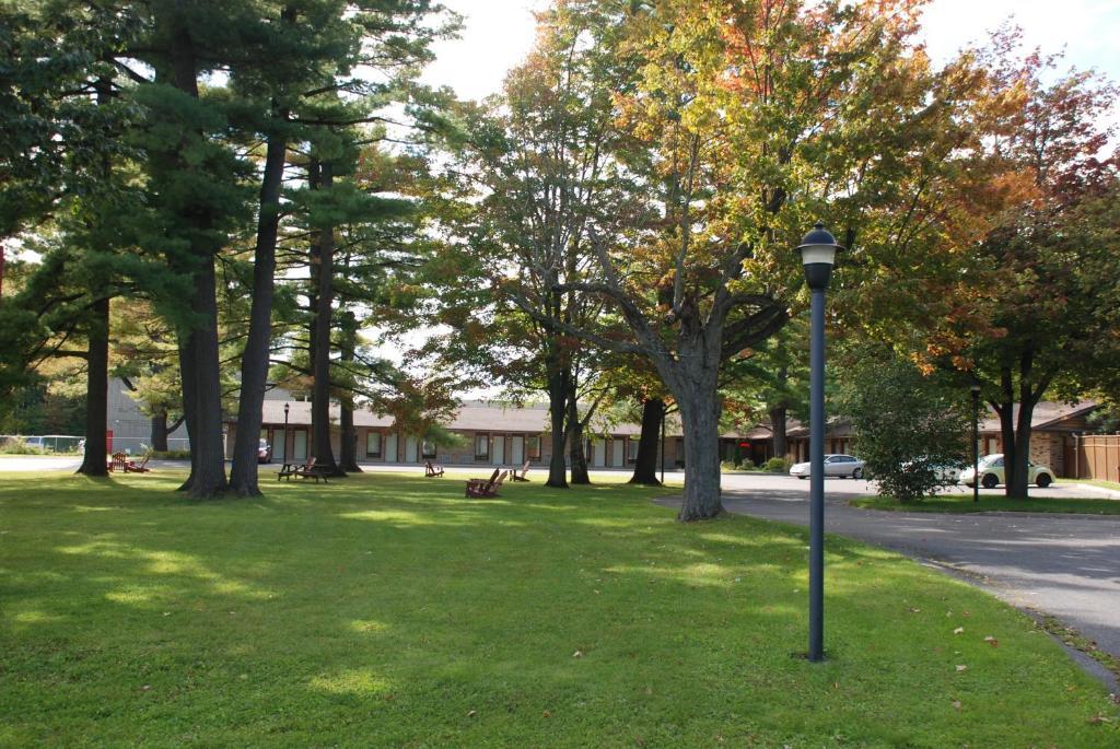 Rideau Heights Inn 야외 정원