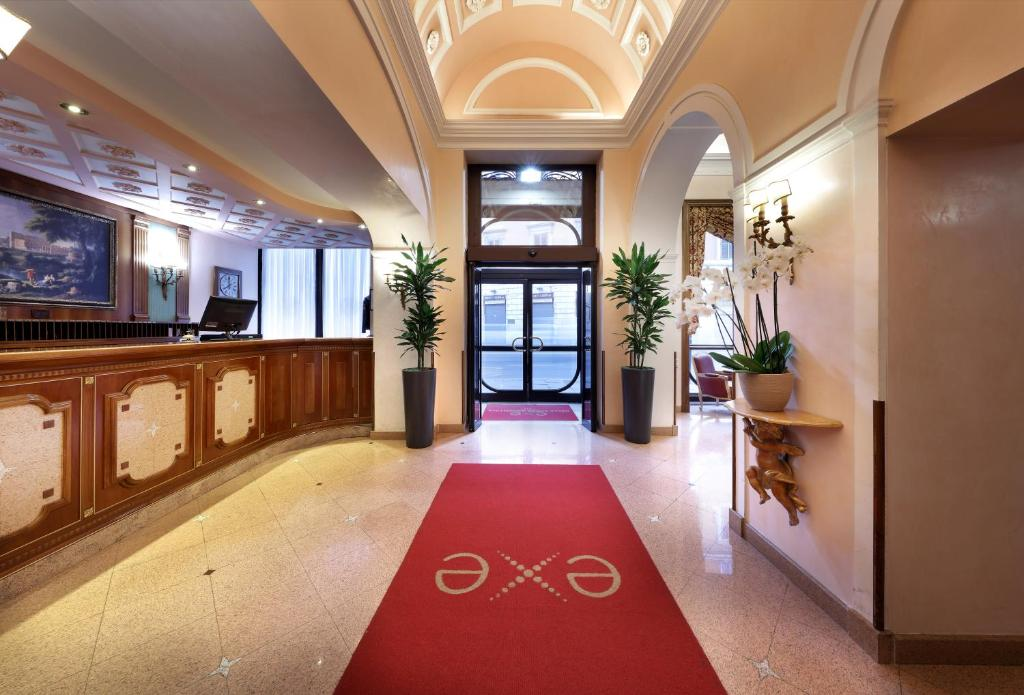 The lobby or reception area at Exe Della Torre Argentina
