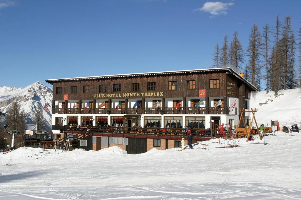 Hotel Monte Triplex during the winter