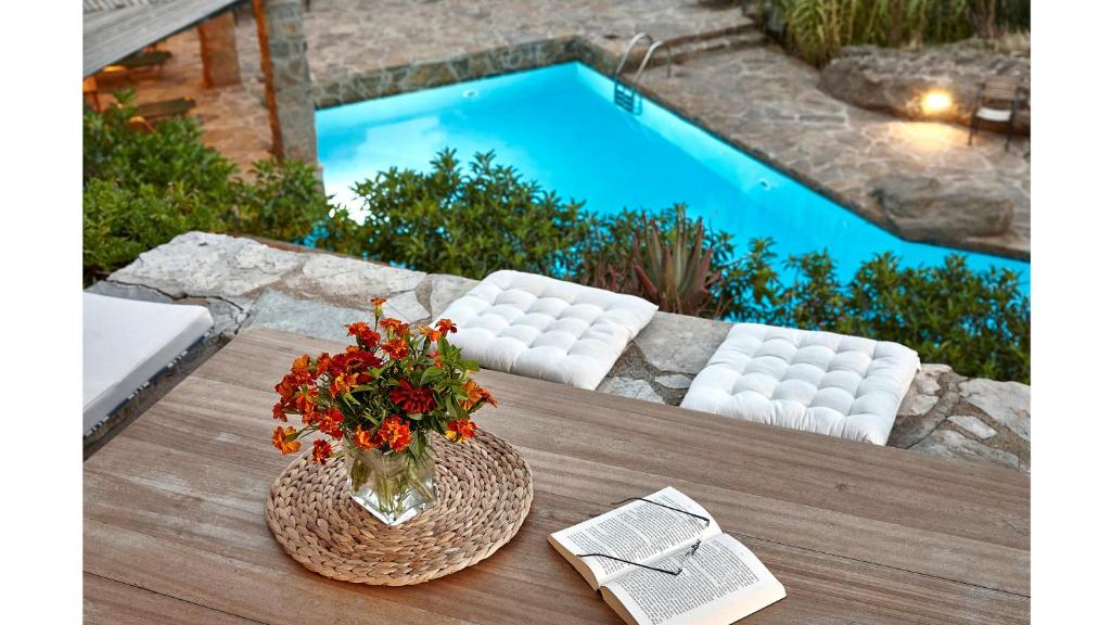 A view of the pool at White River Cottages or nearby