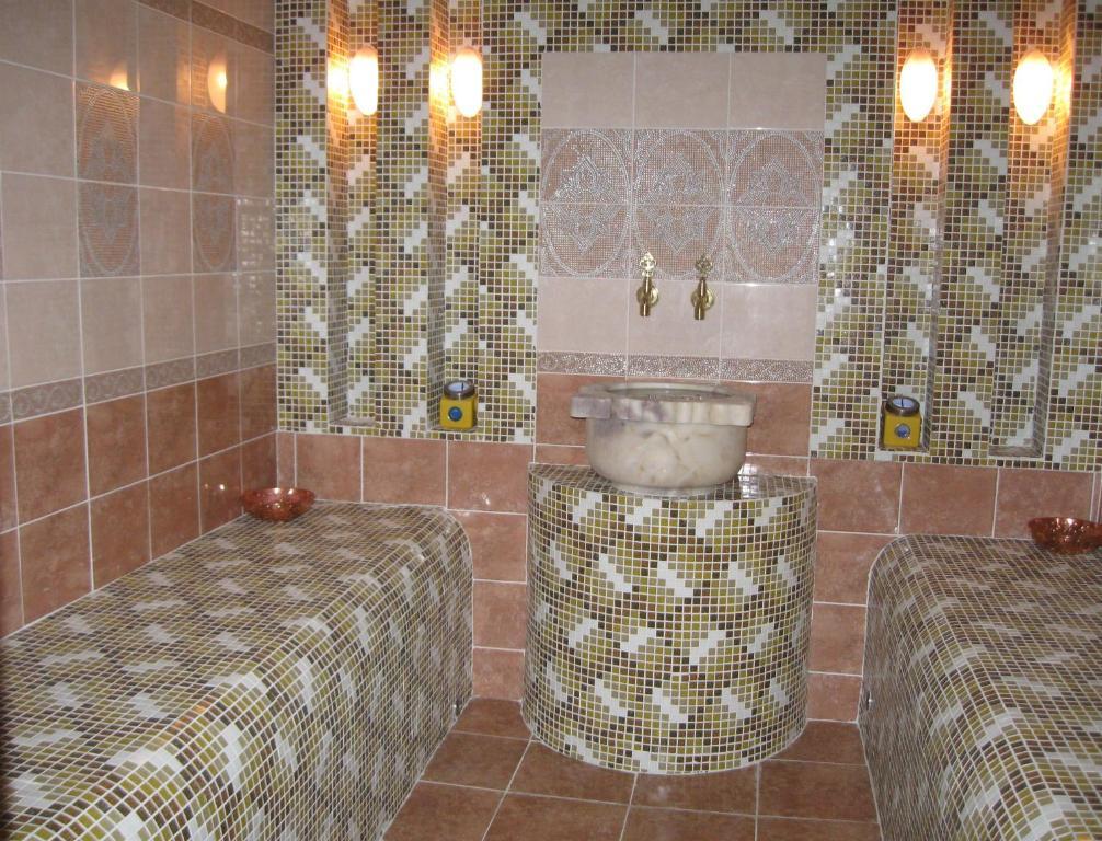 A bathroom at Zvezdny Park-Hotel