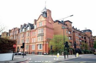 London Kensington & Chelsea 2 Bed Zone 1 Aprt in Kensington, Greater London, England