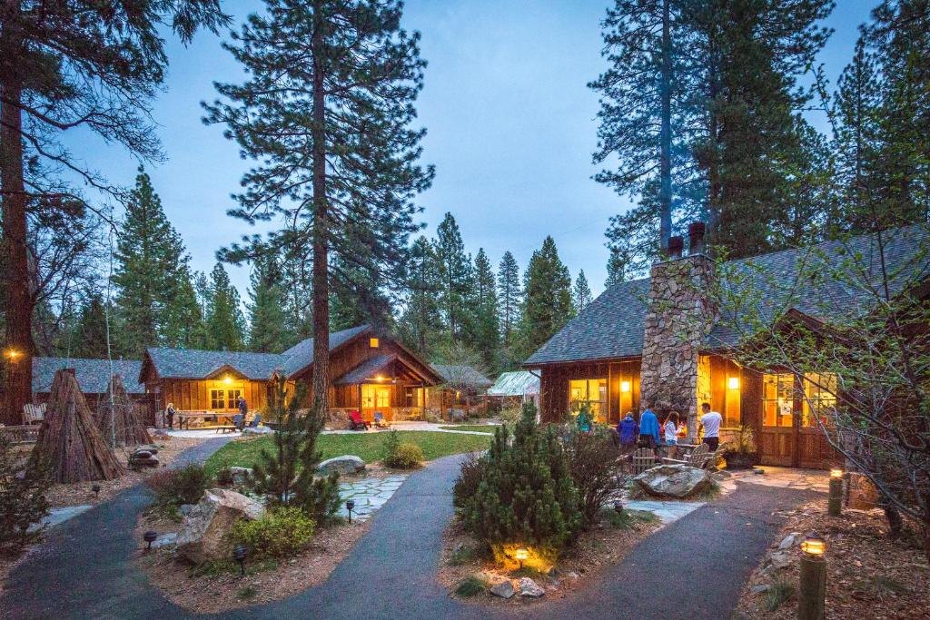 Evergreen Lodge at Yosemite during the winter