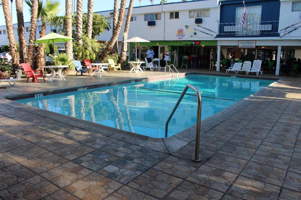 로스엔젤레스 어드벤쳐러스 올 스위트 호텔  내부 또는 인근 수영장