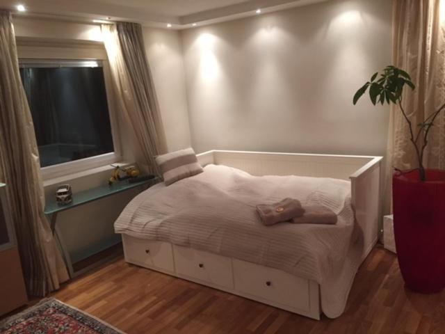 Ein Bett oder Betten in einem Zimmer der Unterkunft Book-A-Room Alpen Apartment Salzburg