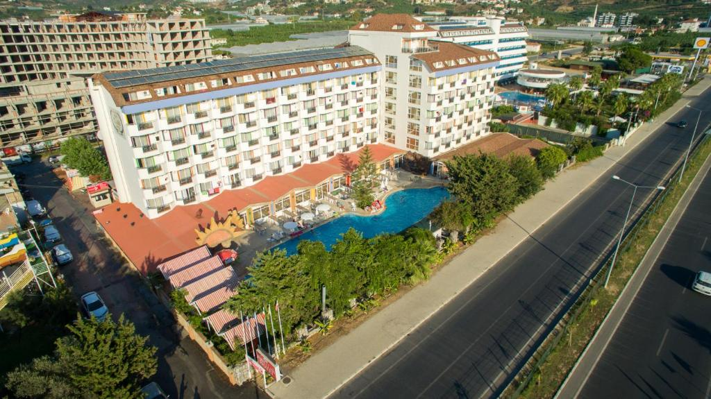 First Cl Hotel All Inclusive