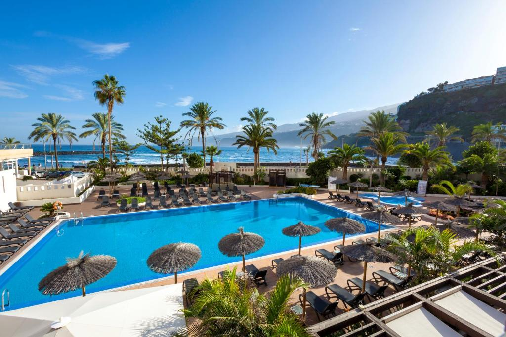 A view of the pool at Sol Costa Atlantis Tenerife or nearby