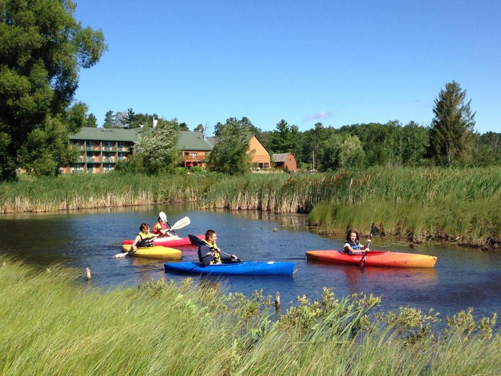 Crooked River Lodge