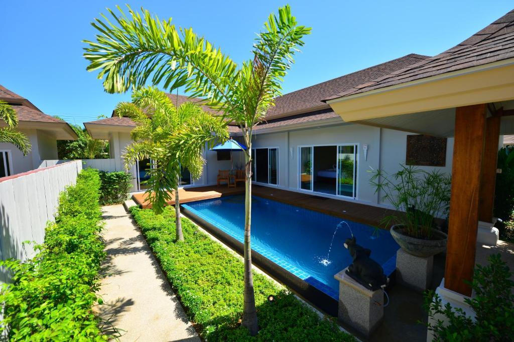 The swimming pool at or near Ban Thai Villa
