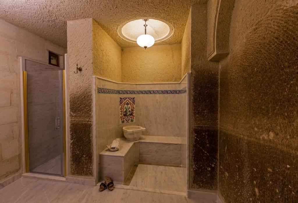 Ванная комната в Mithra Cave Hotel
