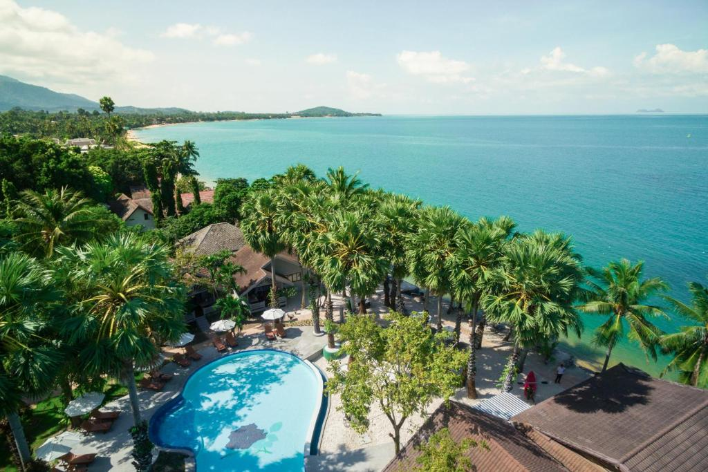 A view of the pool at Paradise Beach Resort Samui or nearby