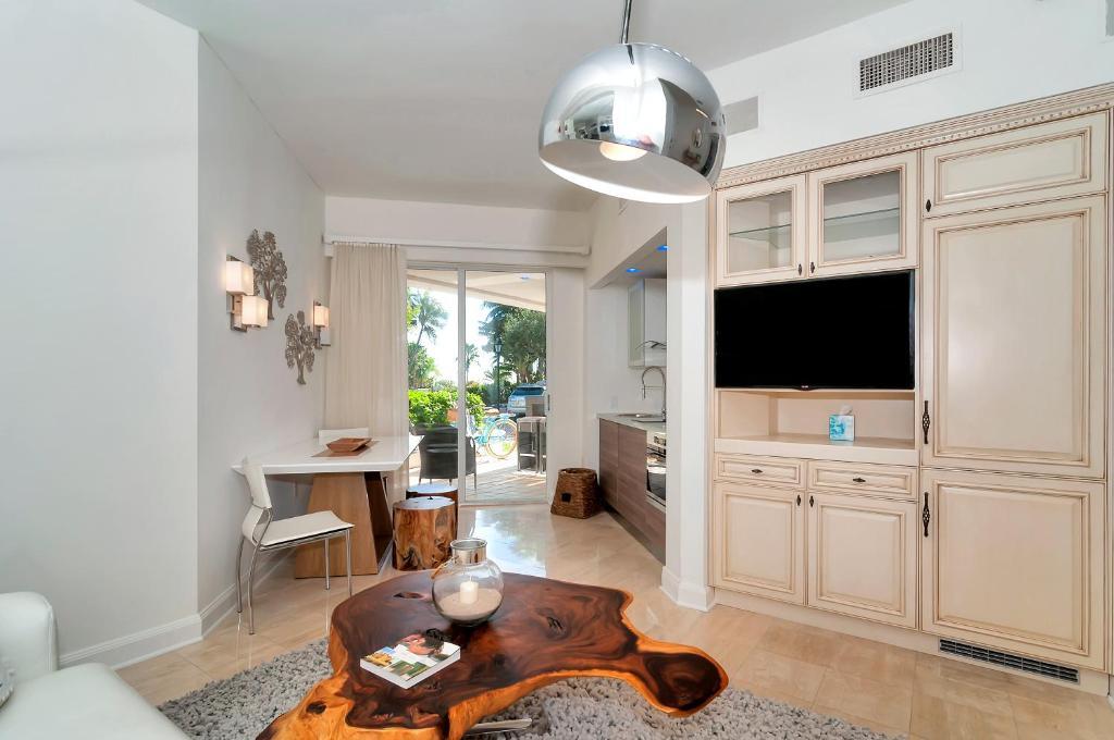 Fisher Island Seaside Villas by Sunnyside Retreats